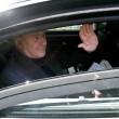 Berlusconi lascia Cesano Boscone inseguito dai cronisti09