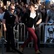 Brad Pitt aggredito sul red carpet alla prima di Malefiecent12
