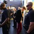 Brad Pitt aggredito sul red carpet alla prima di Malefiecent16