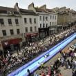 Bristol, scivolo gigante d'acqua in strada4