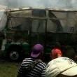 Colombia, scuolabus in fiamme02