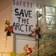 Greenpeace blocca 2 piattaforme petrolifere dirette in Artico03