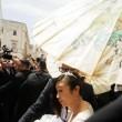 Hikaru Utada e Francesco Calianno: nozze a Polignano tra il barman e la cantante66
