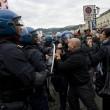 Primo maggio con scontri a Torino08
