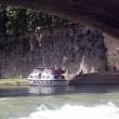 Roma, barcone di turisti alla deriva sul Tevere02