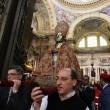 San Gennaro, si ripete a Napoli la liquefazione del sangue 06