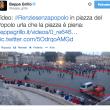 """Beppe Grillo: """"#RenziSenzaPopolo"""". Foto della piazza semi-vuota"""