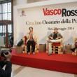 Vasco Rossi cittadino onorario della Puglia creativa01