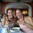 Amy e Becky Glass, gemelle dividono tutto: cibo, Fb, fidanzato 3