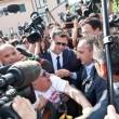 """Berlusconi, primo giorno alla Sacra Famiglia: """"Tutto bene ma non posso parlare"""" 3"""