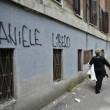 """""""Daniele De Santis libero"""" e """"Ciro Boom"""": a Roma scritte pro """"Gastone"""" e contro Esposito"""