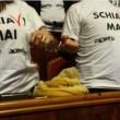 """M5s: catene, manette e magliette """"Schiavi mai"""" in Senato (foto) contro dl Lavoro 2"""