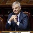 Corrado Clini arrestato: ex ministro accusato di peculato 12