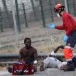 Spagna, 700 migranti assaltano frontiera Melilla 6