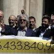 Beppe Grillo a Montecitorio per il Restitution Day