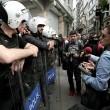 Turchia, polizia carica i manifestanti a piazza Taksim 15