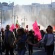 Turchia, polizia carica i manifestanti a piazza Taksim 16