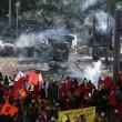 Turchia, polizia carica i manifestanti a piazza Taksim 19