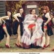 Bridesmaids mooning, su la gonna le damigelle mostrano il lato B al matrimonio05