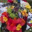 Michael Jackson moriva 5 anni fa: fan spargono 15 rose sulla tomba04