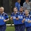 De Rossi e la pubblicità scandalo: cuore tra le mani, animalisti furiosi (foto) - 2