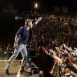 """Ligabue, concerto a San Siro con scritta """"Expo, Mose e poi?"""""""
