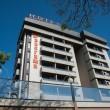 Cagliari, si getta da balcone con in braccio le due figlie: arrestata05