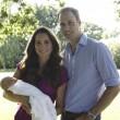 Principe George compie un anno: le nuove foto con mamma Kate e papà William05