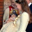 Principe George compie un anno: le nuove foto con mamma Kate e papà William14