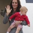 Principe George compie un anno: le nuove foto con mamma Kate e papà William15