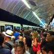 Metro A Roma, palo cade sul treno