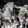 Fontana di Trevi, restauri: aperta al pubblico la passerella0