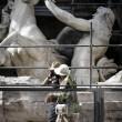 Fontana di Trevi, restauri: aperta al pubblico la passerella01