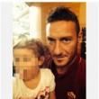 Francesco Totti selfie con Chanel, bimba malata di cancro cui ha pagato le cure01