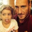 Francesco Totti selfie con Chanel, bimba malata di cancro cui ha pagato le cure02