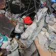 Gaza, 100 palestinesi uccisi in un giorno solo17