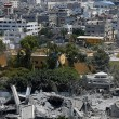 Gaza, ancora scontri e raid aerei: 26 morti, anche donne e bambini 13