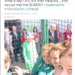 Il selfie delle 2 ragazze diventa un photobomb01