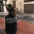 Napoli, cade pezzo cornicione Galleria Umberto01