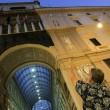 Napoli, cade pezzo cornicione Galleria Umberto3