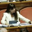 Anna Maria Bernini di Fi vota per il collega assente (Ansa)