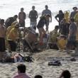 Adam Jay Pye scava buca e ci cade dentro: sepolto da sabbia, muore soffocato