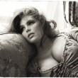 Candice Huffine, prima modella curvy sul calendario Pirelli (foto) 2