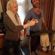 Julian Assange ed Éric Cantona si allenano01