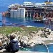 Costa Concordia verso Genova martedì 22. Prua a galla, curiosi via FOTO-VIDEO 8