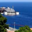 Costa Concordia verso Genova martedì 22. Prua a galla, curiosi via FOTO-VIDEO 4