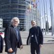 """Ue, Schulz presidente. Grillo attacca: """"Stop soldi a Italia, vanno alla mafia11"""