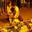 Aereo Malaysia abbattuto: familiari piangono le vittime06