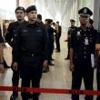 Aereo Malaysia abbattuto: familiari piangono le vittime11