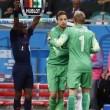 Olanda-Costa Rica 4-3 (rigori VIDEO). Highlights, pagelle e FOTO Mondiali quarti Olanda-Costa Rica 4-3 dopo i rigori (0-0 dopo i tempi regolamentari e supplementari) in una partita dei quarti di finale dei Mondiali. Olanda (3-4-3): Cillessen 6 (15' sts Krul 8); De Vrij 6, Vlaar 6.5, Indi Martins 6 (1' sts Huntelaar s.v.); Kuyt 6.5, Wijnaldum 6, Sneijder 7, Blind 6.5; Depay 5 (30' st Lens 6), Van Persie 6, Robben 7. (22 Vorm, 7 Janmaat, 8 De Guzman, 12 Verhaegh, 13 Veltman, 14 Kongolo, 16 Claasie, 10 Leroy Fer). All.: Van Gaal 7.5. Costa rica (3-4-1-2): Navas 7.5; Umana 6, Gonzalez 6, Acosta 6; Tejeda 6.5 (6' pts Cubero s.v.), Diaz 5.5, Borges 6.5, Gamboa 5.5 (33' st Myrie sv.) ; Ruiz 6; Campbell 5.5 (20' st Urena 5), Bolanos 6. (18 Pemberton, 23 Cambronero, 6 Duarte, 11 Barrantes, 12 Francis, 13 Granados, 14 Brenes, 19 Miller, 20 Calvo). All.: Pinto 6.5. Arbitro: Irmatov (Uzbekistan) 5.5 Sequenza rigori: Borges (gol), Van Persie (gol), Ruiz (parato), Robben (gol), Gonzalez (gol), Sneijder (gol), Bolanos (gol), Kuyt (gol), Umana (parato). Angoli: 9-2 per l'Olanda Recupero: 1' e 4'; 2' e 1' Ammoniti: Diaz, Umana, Martins Indi, Gonzalez, Huntelaar per gioco scorretto Spettatori: 51.179. Classifica marcatori del Mondiale di calcio 2014. - 6 reti: James Rodriguez (Colombia); - 4 reti: Messi (Argentina); Neymar (Brasile); Mueller (Germania). - 3 reti: E. Valencia (Ecuador); Benzema (Francia); Robben e Van Persie (Olanda); Shaqiri (Svizzera). - 2 reti: Cahill (Australia); Slimani e Djabou (Algeria); David Luiz (Brasile), Martinez (Colombia); Gervinho e Boni (Costa d'Avorio); Mandzukic e Perisic (Croazia); Hummels (Germania); Musa (Nigeria); A. Ayew e Gyan (Ghana); Depay (Olanda); Suarez (Uruguay); Dempsey (Usa); Sanchez (Cile); Ruiz (Costarica). - 1 rete: Brahimi, Feghouli e Halliche (Algeria); Di Maria, Rojo e Higuain (Argentina); Jedinak (Australia); De Bruyne, Fellaini, Lukaku, Origi, Mertens e Vertonghen (Belgio); Ibisevic, Dzeko, Pjanic e Vrsajevic (Bosnia); Fernandin